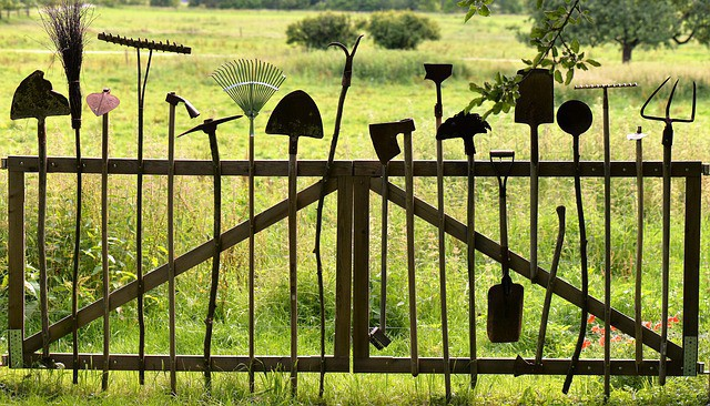 7 Essential Garden Tools For A Home Garden