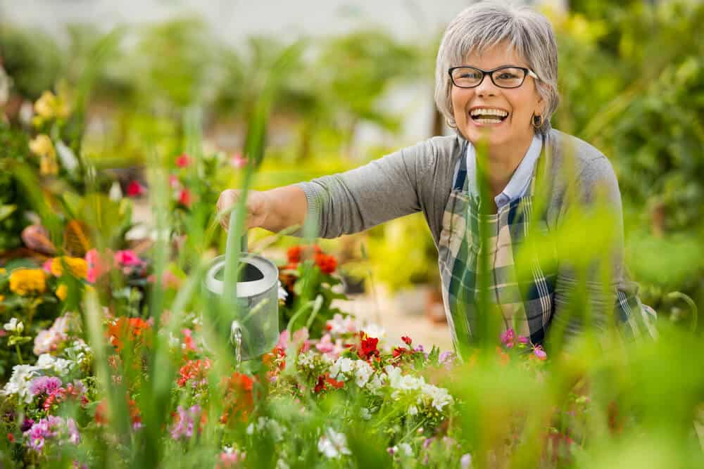 10 Best Gardening Gifts For Mom 2018